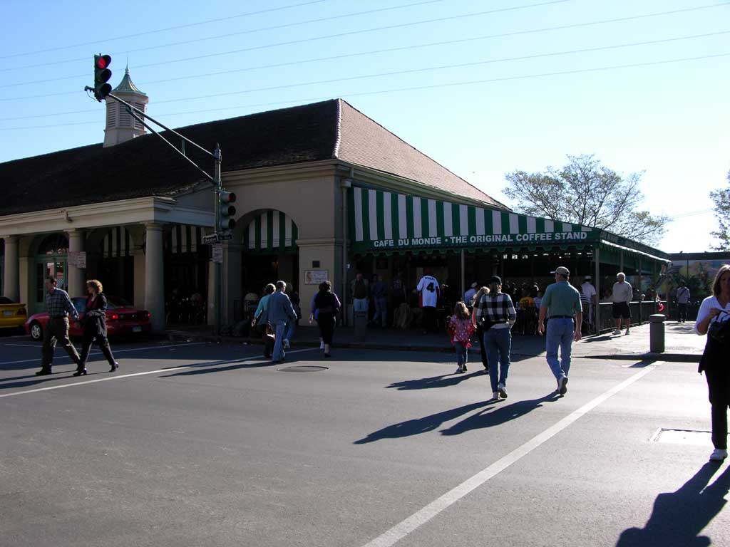 Cafe du Monde — famous but very busy cafe in the French Quarter