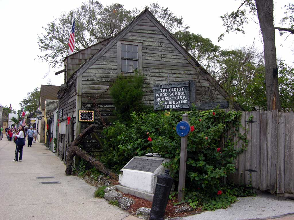 Oldest wood schoolhouse in the USA