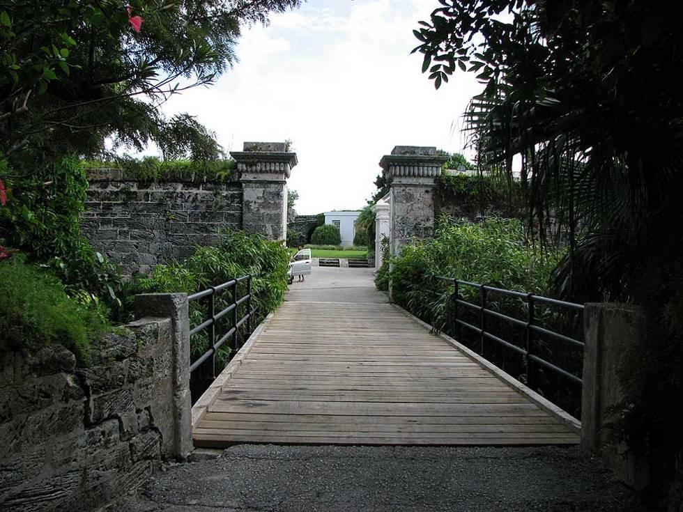 Bermuda entrance to Fort Hamilton